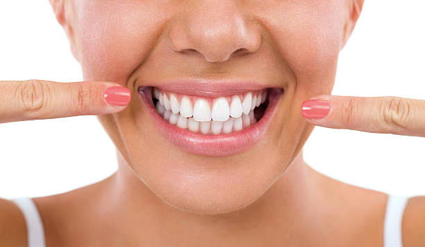 Tips For Whiter, Healthier Teeth… The Natural Way!