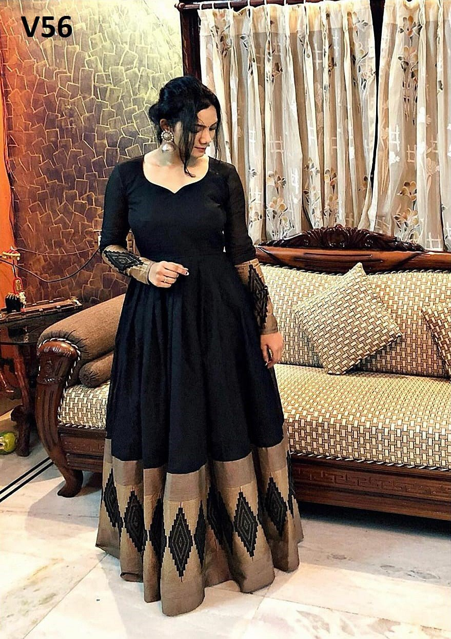 Mustered Black Colored Partywear Printed Rayon Gown