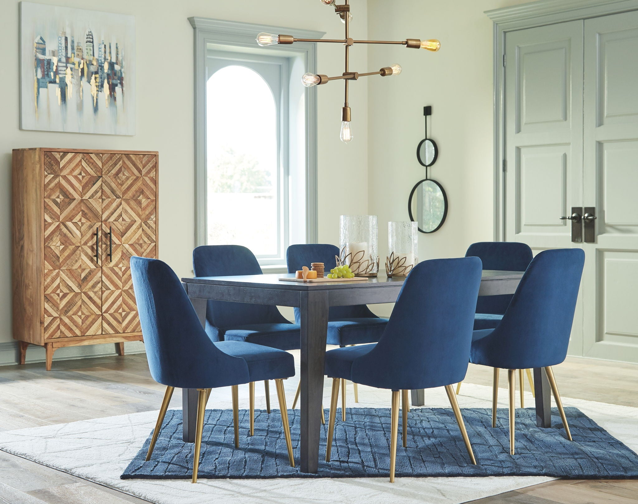 Trishcott Dining Room Set