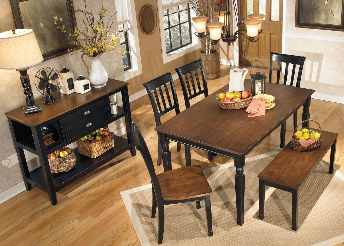 Owingsville Dining Room Table