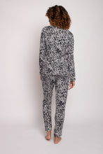Afbeelding in Gallery-weergave laden, Pretty You London bamboo pyjama leopard