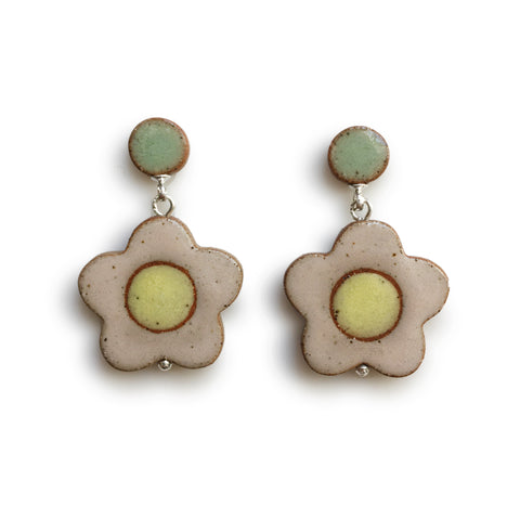 Daisy Earrings Blush