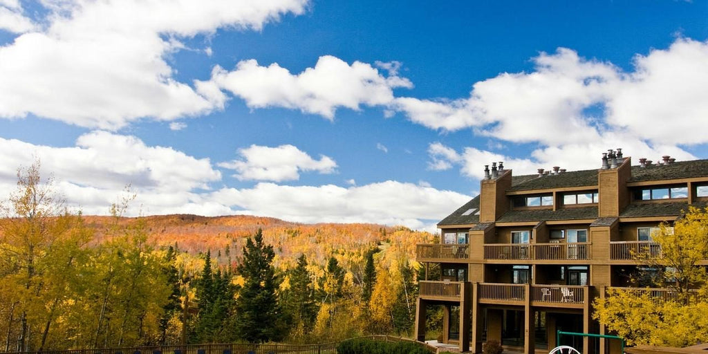 Caribou Highlands Lodge Lutsen Minnesota MN North Shore Endeavor Pass Discounted Stay Fall Colors