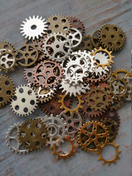 50 Assorted Gears Steampunk Cog Charm Pendant Mixed Sprockets Metal Gear Steampunk Cog Spur 10mm-26mm Bulk Lot Gold Copper Silver Bronze