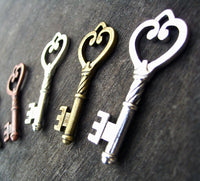 "Skeleton Keys Assorted Mixed Colors 45mm/1.7"" Steampunk Heart Shape Vintage Style Charms Rustic Bronze Copper Silver Bulk Lot 6 pc Set"