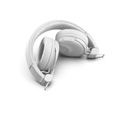 Studio Bluetooth Wireless On-Ear Headphones On-Ear-Kopfhörer in Weiß gefaltet