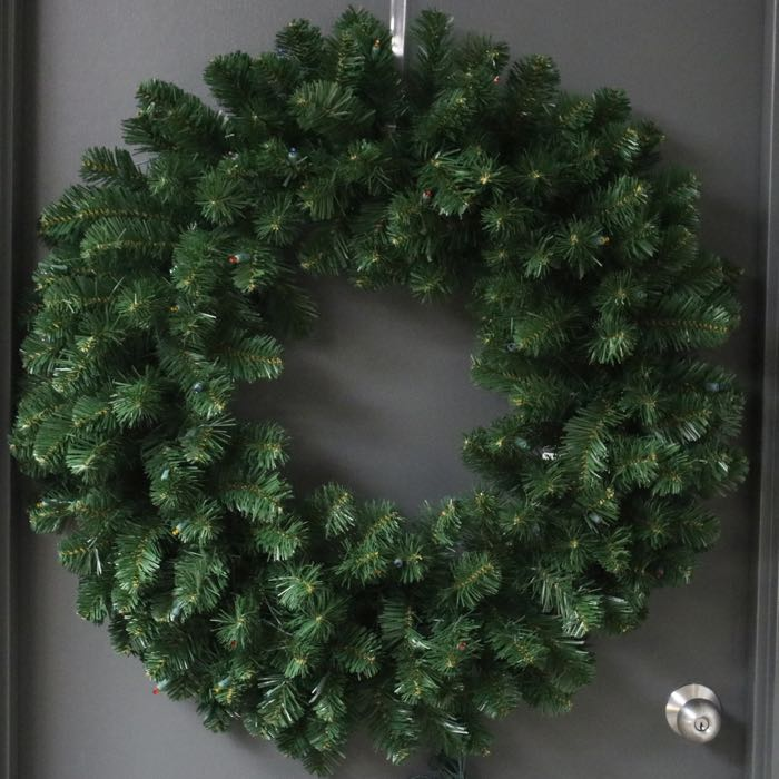 Pre-lit Wreath 36 inches