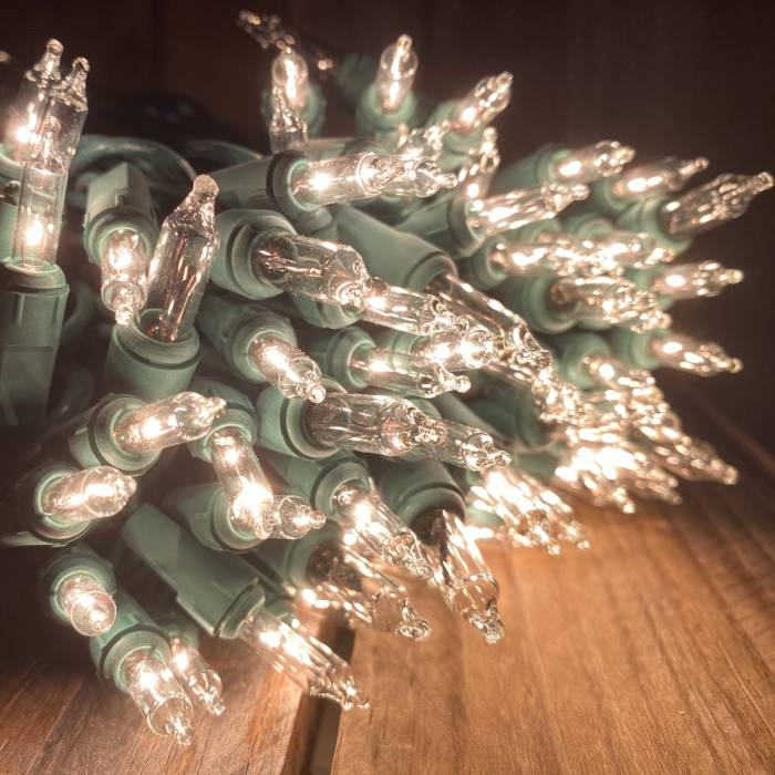 Twinkle lights 150 bulbs on green wire