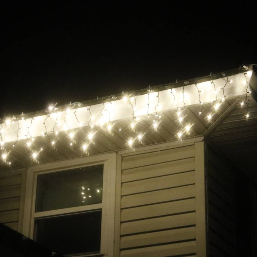 Warm White Wide Angle LED Icicle Lights Green Wire