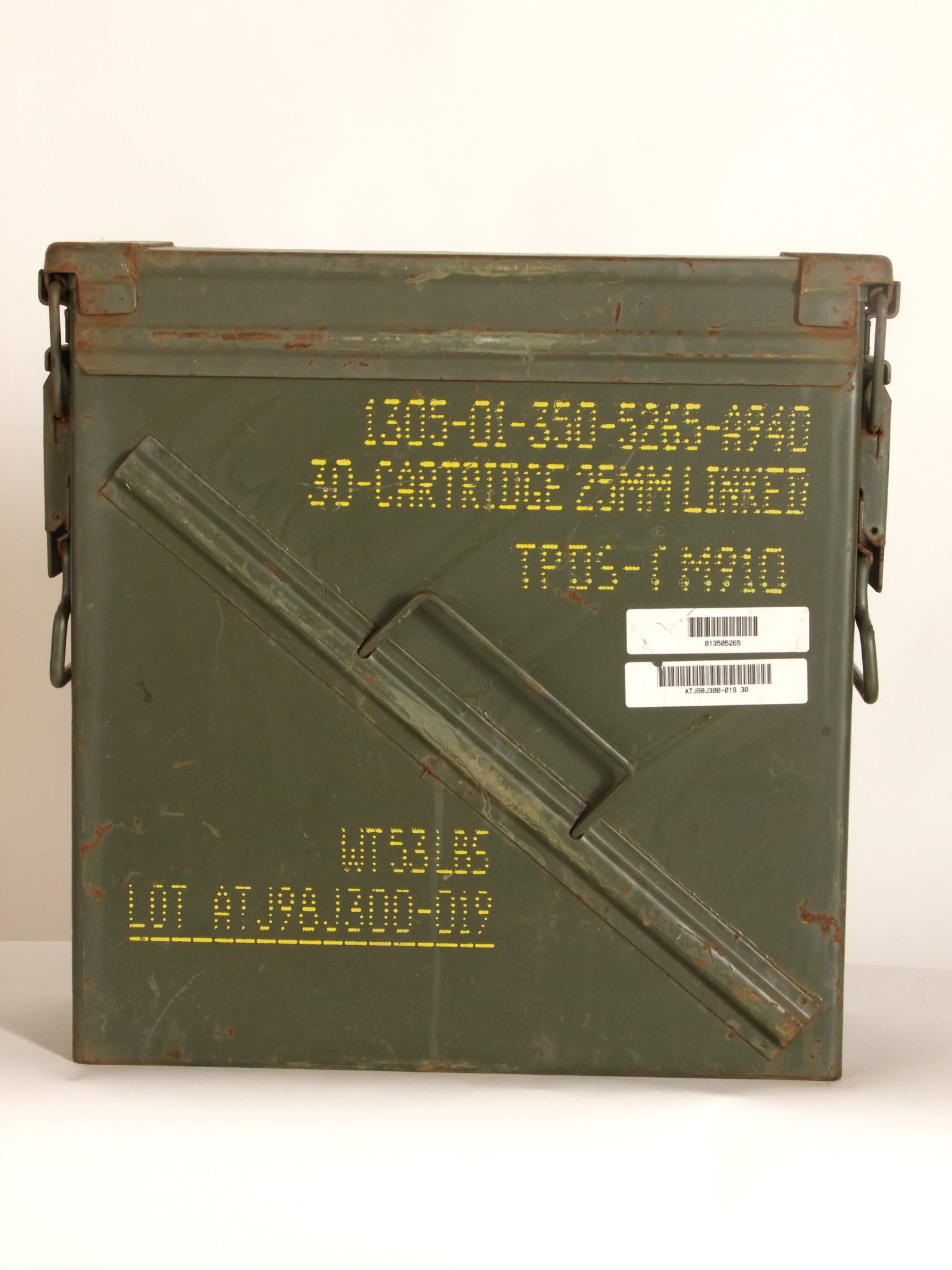 Ammo tin for linked cartridges.