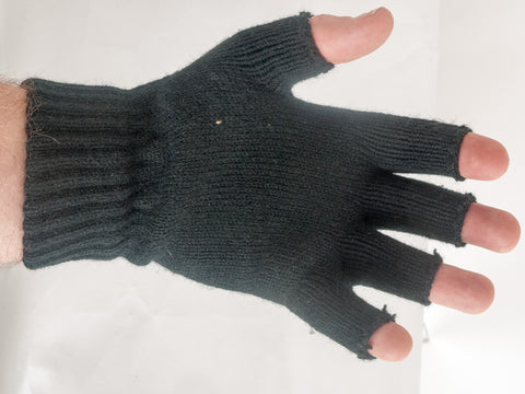 Fingerless acrylic woolly glove