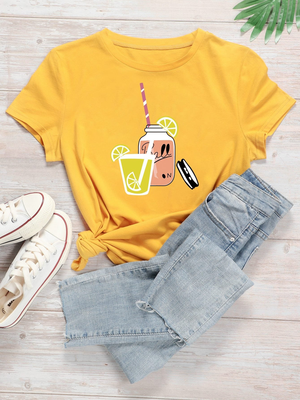 Cartoon Juice And Letter Graphic Tee - INS | Online Fashion Free Shipping Clothing, Dresses, Tops, Shoes