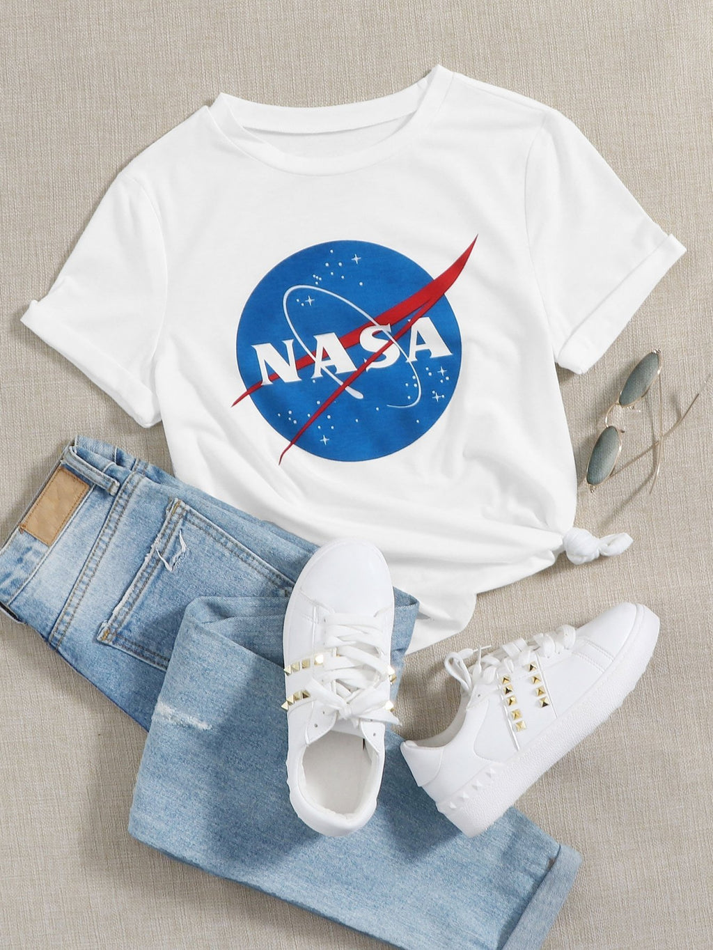 Graphic And Letter Graphic Tee - INS | Online Fashion Free Shipping Clothing, Dresses, Tops, Shoes