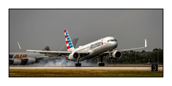 American Airlines Boeing 757 Landing (APPM10087)