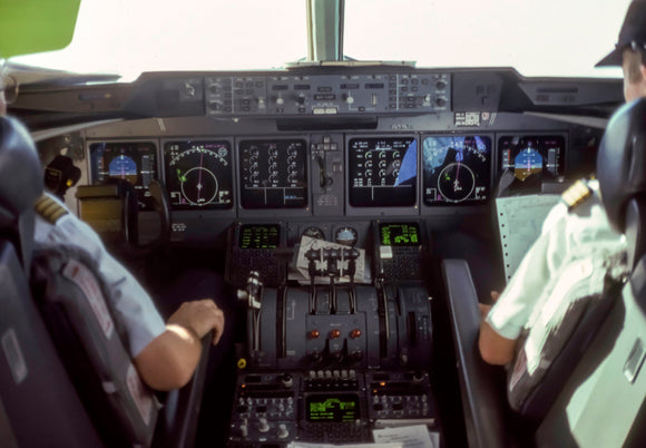 MartinAir MD-11Cockpit (PMCT4027)