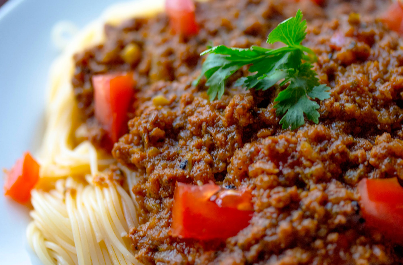 Valentine's Day Dinner at Home: Our How-To Guide- Spaghetti Bolognese