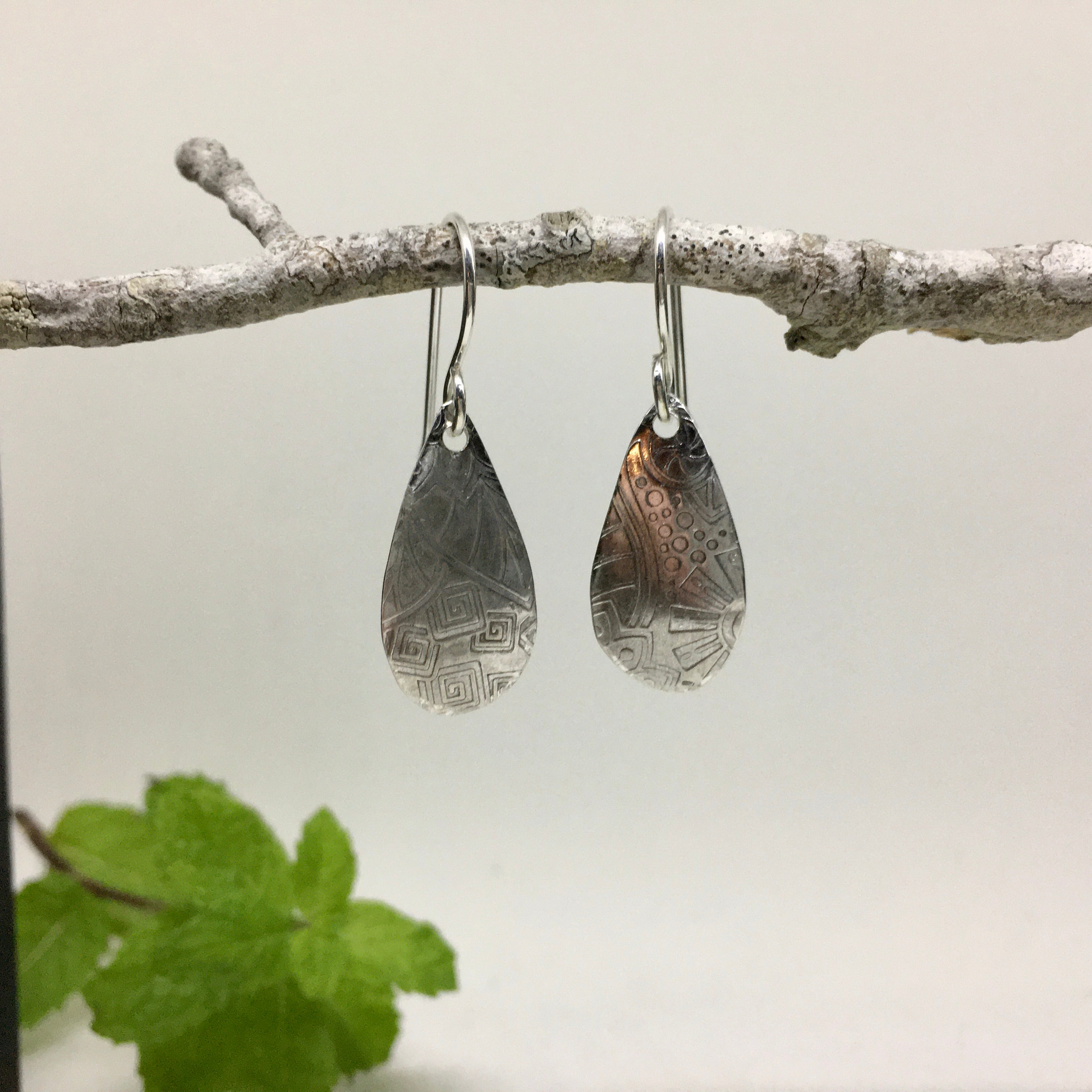 PATTERNED SILVER OVAL DROPS