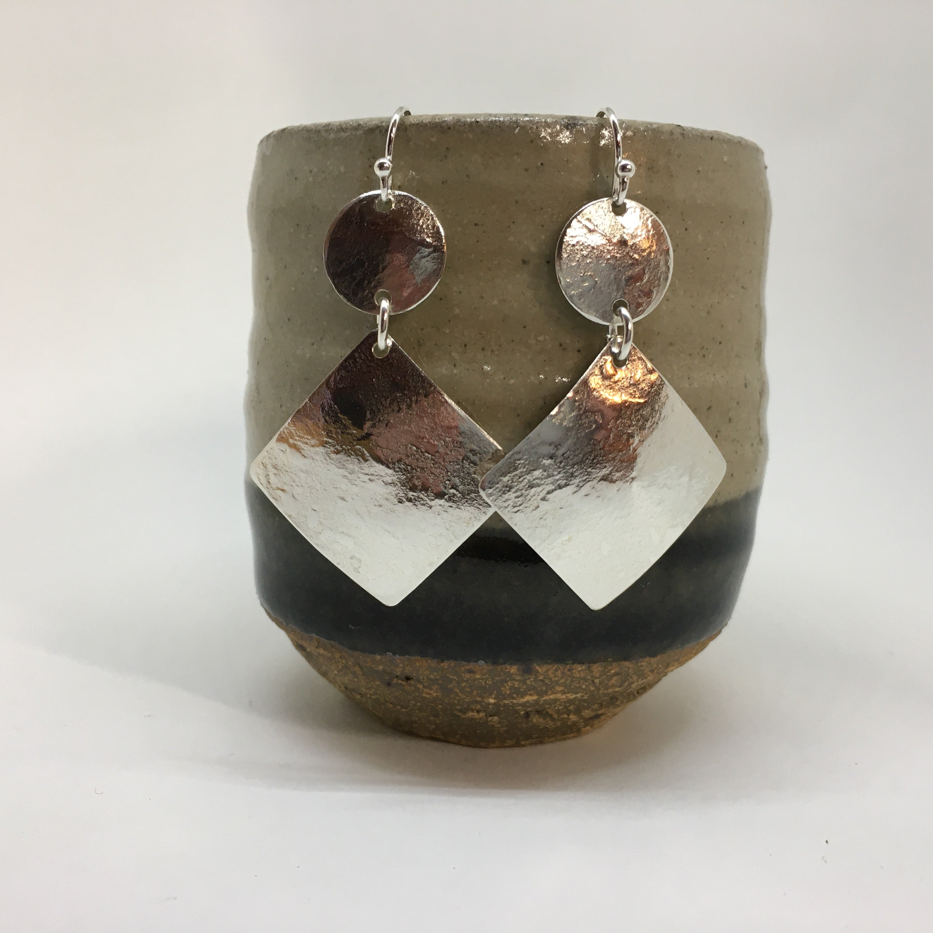 MEDIUM BOLD GEO EARRINGS