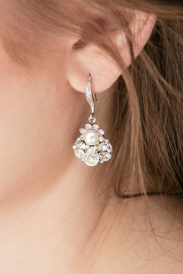 Laura Jayne E9083 pearl crystal teardrop earring closeup