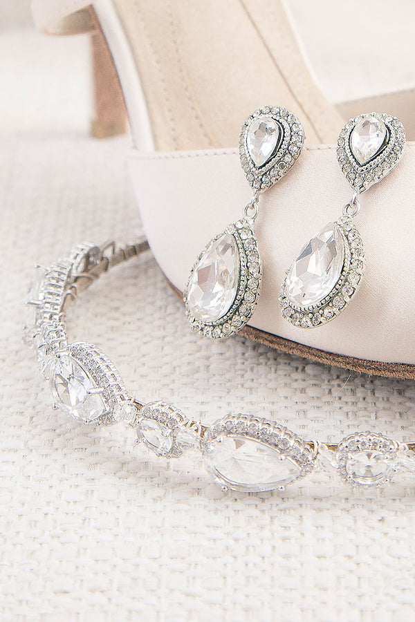 teardrop earrings and crystal headband with shoe