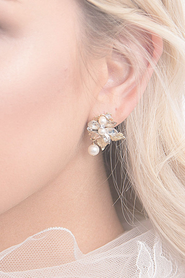 E7021 Leaf Pearl Drop Earrings
