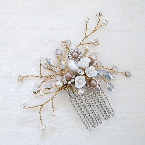 Small gold porcelain flower comb with pearls