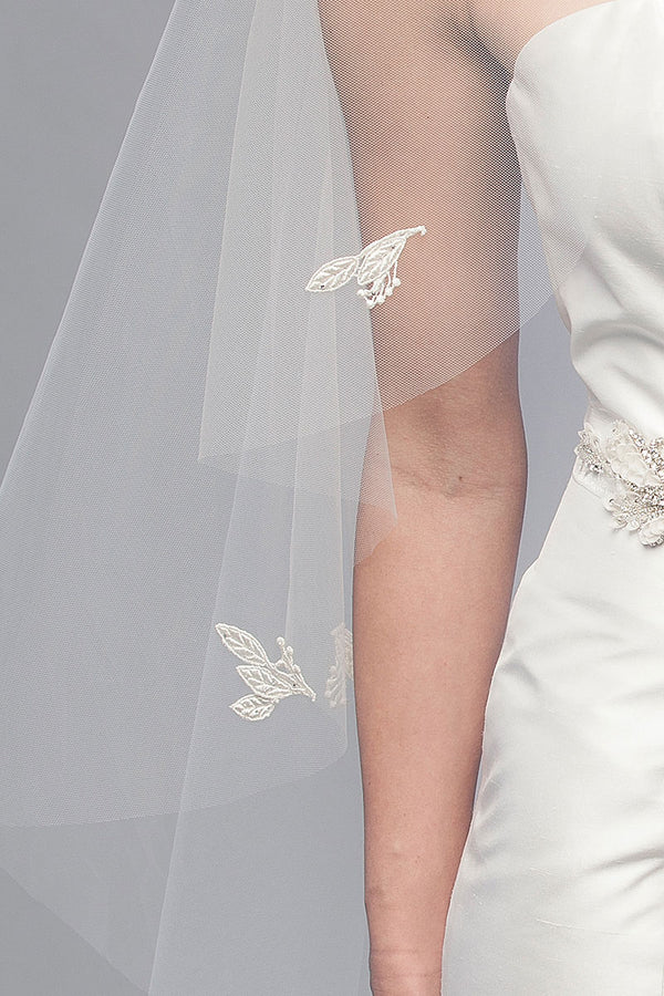 Leaf Blossom Fingertip Veil - Sample Sale
