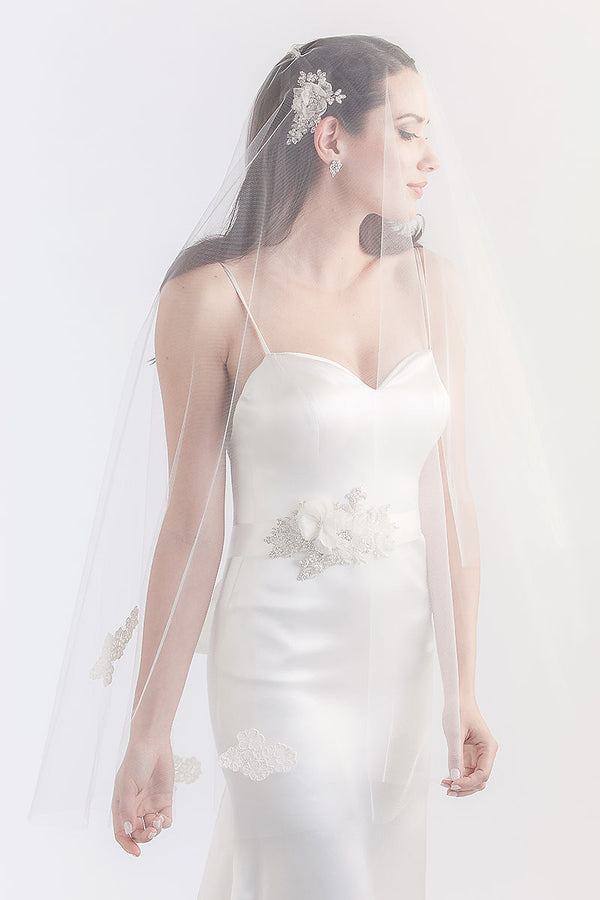 Alivia Fingertip Veil - Sample Sale