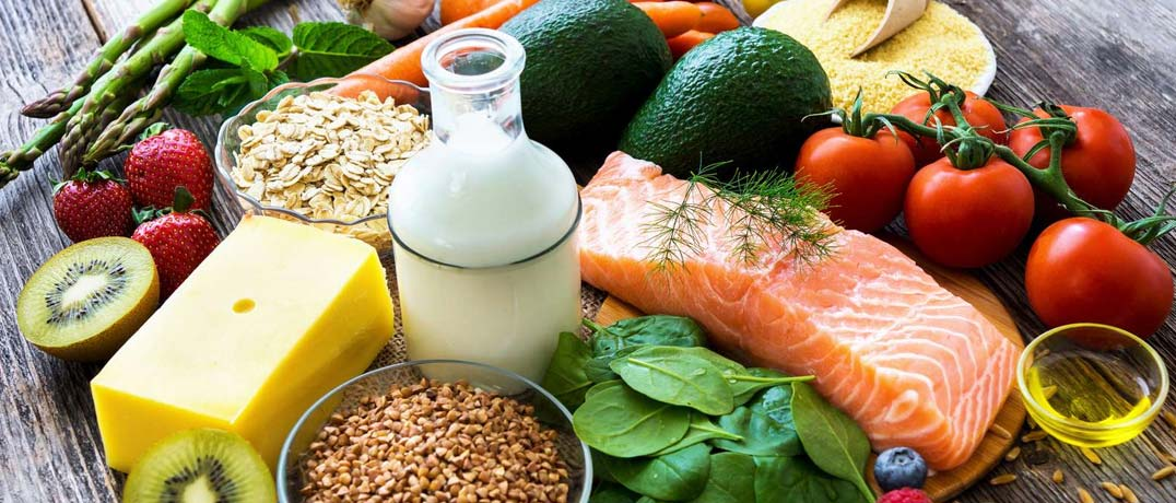 Cheese, Kiwis, Oats, Milk, fish, tomatoes, olive oil, asparagus, avacado, spinach, carrots, and other foods that are good for eyes