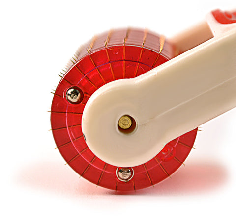 Microneedle Skin Roller with Red LED Light