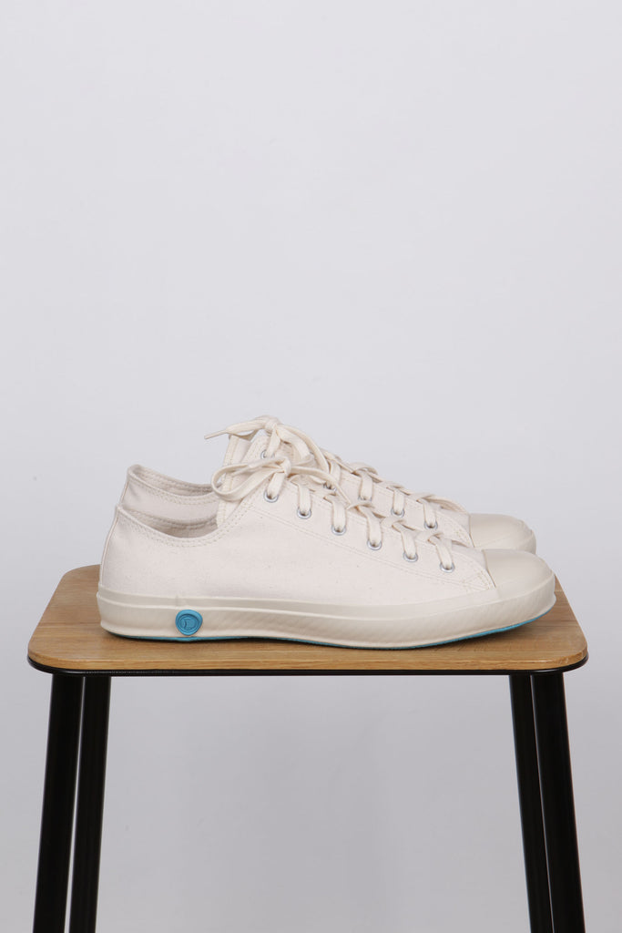 Shoes Like Pottery White Low - Native North Scandinavian Design Clothing