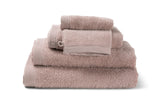 Serviette de bain moderne, de couleur misty pink en coton de la collection COMO