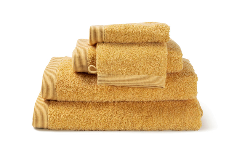 Serviette de bain moderne, de couleur Ochre en coton de la collection COMO