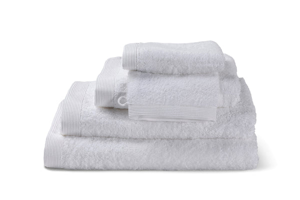 Serviette de bain blanche, moderne, en coton de la collection COMO