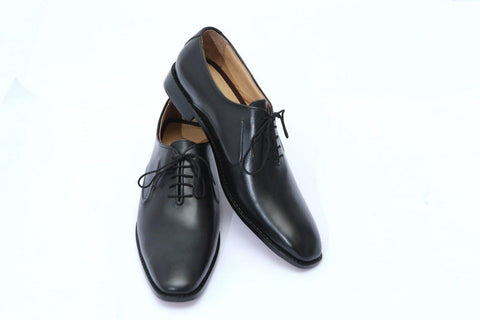 Classic Black Laces Shoe - Daily Essentials