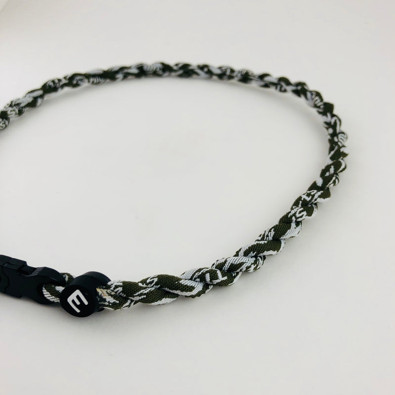 products/green_camo_titanium_necklace_1.jpg