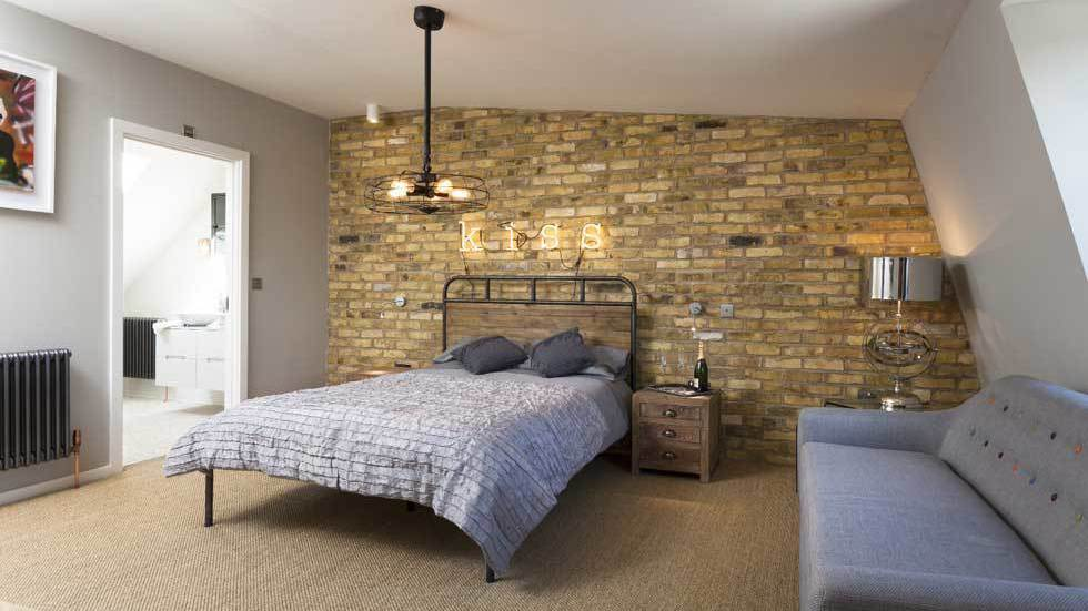 Using reclaimed brick-style tiles to create stunning feature walls