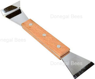 hive-tool-with-wooden-handle.jpg