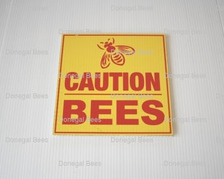 z-caution-bees-red-sign.jpg