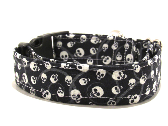 Skulls Collar - Glow-in-the-dark