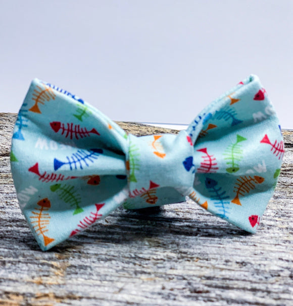 Fish / Fish Bones Doggy or Cat bowtie