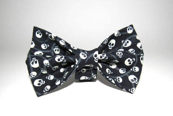 Skulls Doggy Bowtie - Glow-in-the-dark