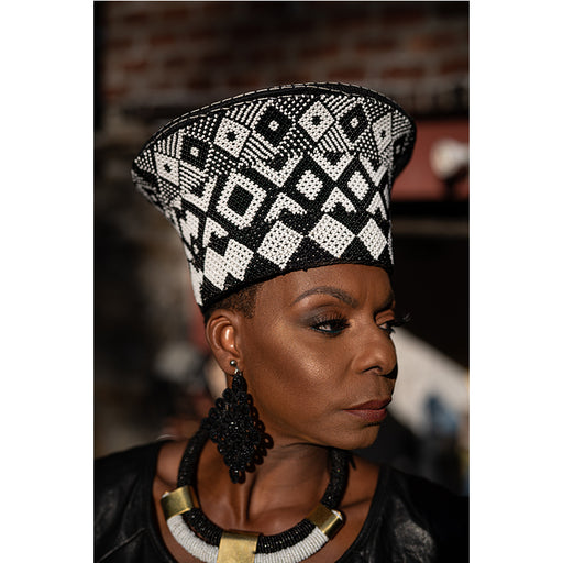 Zulu Beaded Basket Hat 01 - Black & White