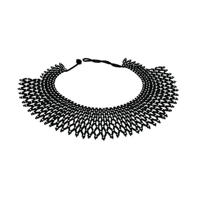 Yulita Short Beaded Collar Necklace 02