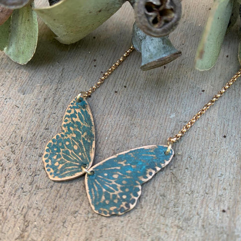 VERDIGRIS WINGS NECKLACE