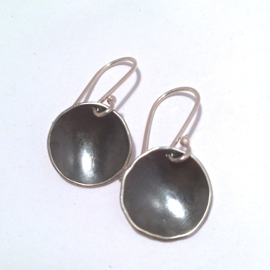 OXIDIZED ORGANIC DOME EARRING