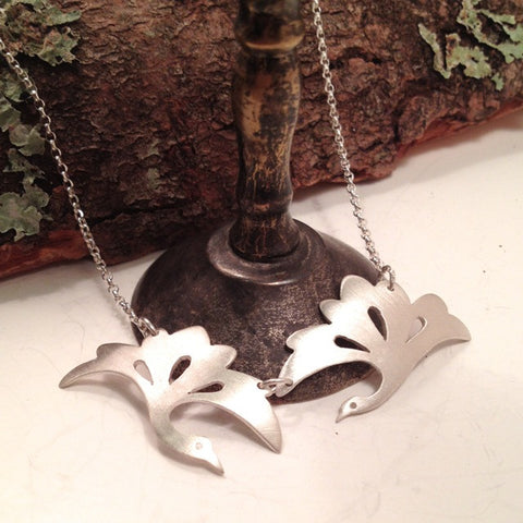 DIVING BIRDS NECKLACE