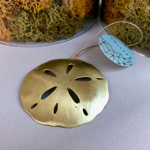 BRASS SANDDOLLAR ORNAMENT