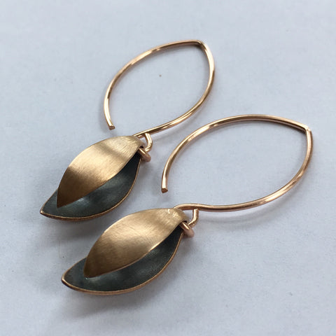 MARQUISE EARRING IN BRONZE