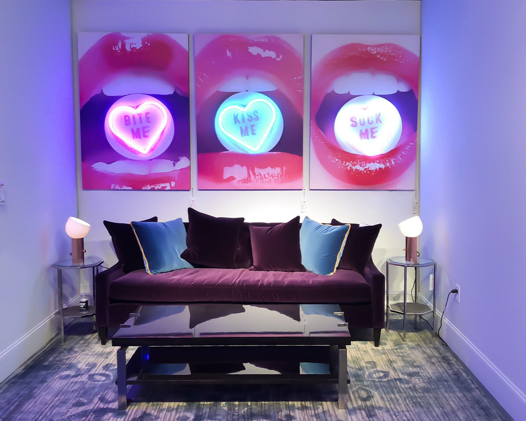 LED Neon Hot Lips: Bite Me Wall Art